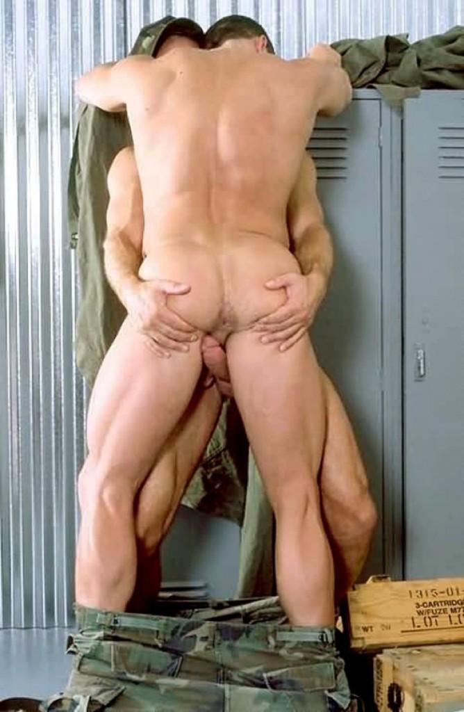 Порно фото гей армия